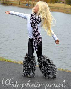 We love some fur, and this cooler weather!  Photo by mom-tographer: @daphs_mamarazzi  #daphniepearl #childmodel #modelsearch #model #beautiful #strikeapose #girlsfashion #brandrep #girlsfallfashion #fallfashion #fur #photooftheday #ootd #kidzfashionmodelsearch #minifashionaddicts #twwfaceoftheday #raineysclosetbr2015