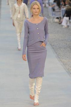 Chanel Resort 2012 Fashion Show - Patricia van der Vliet