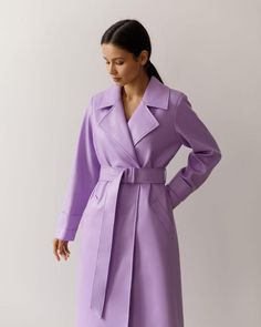 #trenchcoat #basic #trench #autumnstyle #springtrench #outerwear #women'souterwear #casualouterwear #fashiontrenchcoat #womensjacket #autumnouterwear #casualstyle #outfits #streetstyle #fashionstyle #designertrenchcoat #lichishop #lichiouterwear Airport Style, Airport Fashion, Trouser Jeans, Trousers, Leather Trench Coat, Online Fashion Stores, Vegan Leather, Designer, Winter Fashion