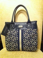 UseitSellit - Local classifieds for used and new products. - Tommy Hilfiger Bag