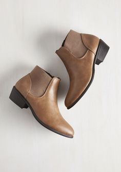 School of Walk Bootie in Fallow. From the caf to the quad, these rockin' booties carry you through campus like youre struttin down city sidewalks. #brown #modcloth