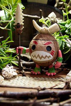 Vaiana Moana Kakamora OOAK Harz Holz echte Kokosnuss Moana Theme Birthday, Hawaiian Birthday, Luau Birthday, Hawaiian Party Decorations, Diy Halloween Decorations, Halloween Crafts, Tiki Party, Luau Party, Pumpkin Decorating Contest