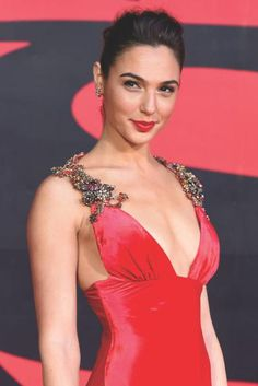 """Gal Gadot was a favorite with Prada satin dress with plunging neckline, in tune with the red carpet. The details: the precious stones on the shoulders. - there is a certain character in """"For Anastasia"""" Gal would be perfect for. Beautiful Celebrities, Beautiful Actresses, Gorgeous Women, Beautiful People, Gal Gardot, Gal Gadot Wonder Woman, Actrices Hollywood, Hollywood Actresses, Girl Crushes"""