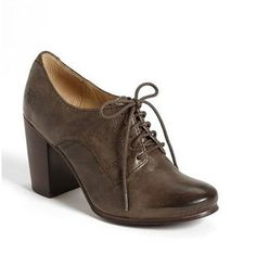 Pin for Later: Shopping: S'habiller Comme Taylor Swift, C'est Facile Frye Chaussures Oxford frye Chaussures Oxford (179€)