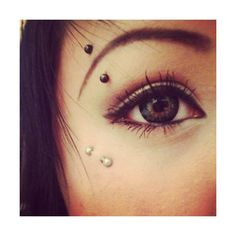 Anti Eyebrow Piercing Information with Inspirational Pictures ❤ liked on Polyvore featuring piercings, jewelry, eyes, accessories and makeup