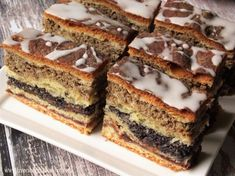 Drożdżówka z makiem i orzechami - kuchnia podkarpacka Polish Desserts, Polish Recipes, Sweet Recipes, Cake Recipes, Dessert Recipes, Poppy Seed Cake, Banana Bread, Good Food, Food And Drink