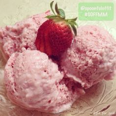 Clean Eating - Strawberry Ice Cream - This is VEGAN. So no dairy products in this ice cream!