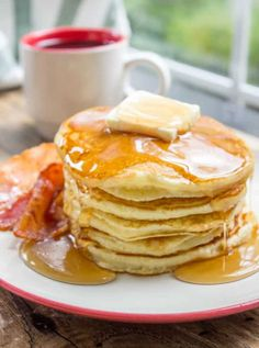 Classic Pantry Pancakes made with basic pantry ingredients. You don't need to run to the store or let the batter rest for these amazing fluffy, delicious pancakes, you'll be eating in 15 minutes. Tasty Pancakes, Homemade Pancakes, Baked Pancakes, Breakfast Dishes, Breakfast Recipes, Chicken Fried Steak Easy, Homemade Syrup, Bisquick Recipes, Brunch Recipes