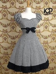 I have been considering using some houndstooth fabric for a similar dress, looks good so will go ahead. Mary Magdalene / One Piece / Cordelia Puff Sleeved OP Pretty Outfits, Pretty Dresses, Beautiful Dresses, Cute Outfits, Vintage Dresses, Vintage Outfits, Vintage Fashion, Moda Lolita, Gothic Lolita Dress