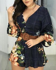Floral Print Lantern Sleeve Backless Romper - A. LL Fashion - Modetrends Trend Fashion, Fashion Outfits, Womens Fashion, Fashion Clothes, Fall Fashion, Style Fashion, Fashion Ideas, Fashion Tips, Vetement Fashion