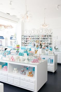 Rosie O'Neill lives a sweet life…literally. As the co-founder of California-based candy boutique, Sugarfina, Rosie spends her days testing, marketing, Candy Store Design, Candy Display, Candy Boutique, Cupcake Shops, Chocolate Shop, Pastry Shop, Candy Shop, Candy Stores, Retail Space