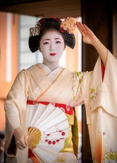 Setsubun 2016: maiko Katsuna of Kamishichiken by Gaap on Photohito
