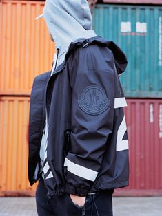 """The exclusive Moncler """"O"""" Spring/Summer 2017 collection is the second part of the partnership between Moncler and Off-White C/O Virgil Abloh. Once again the source of inspiration is the Arctic Ocean and North Sea fishermen, who. Urban Fashion, Mens Fashion, Fashion Trends, Off White Designer, Mens Skis, Outdoor Fashion, Summer Jacket, Moncler, Look Cool"""