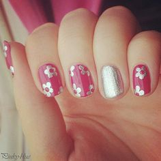 Flower nail art / silver and pink