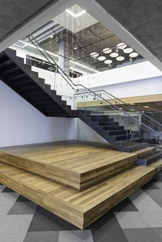 Modern Stairs // Cisco-Meraki Office by Studio O+A Modern Staircase, Staircase Design, Architecture Details, Interior Architecture, Commercial Stairs, Open Stairs, Stair Handrail, Corporate Interiors, Workplace Design