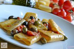 Paccheri saporiti in padella, una ricetta semplice e veloce da preparare in poco tempo risottando i paccheri in padella antiaderente Flonal con il loro sugo.