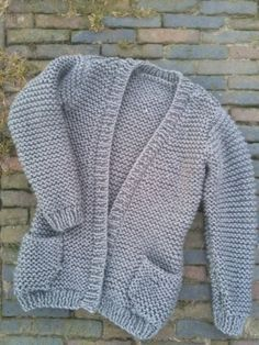 Beautiful Wegkruipvest in ribbelsteek, now there for you - Breiclub.nl Wegkruipvest in ribbelsteek, now there f. Diy Clothes And Shoes, Make Your Own Clothes, Crochet Blouse, Knit Crochet, Gilet Rose, Style Urban, Crochet Clothes, Pulls, Diy Fashion