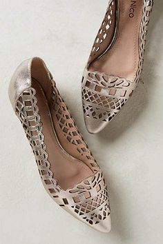 laser cut pointed flats <3