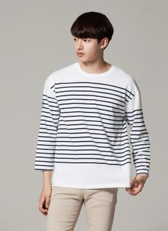 Today's Hot Pick :Graphic Back Striped T-Shirt http://fashionstylep.com/SFSELFAA0012297/tlrkeen/out With the mix of stripes and a back graphic design, this long sleeve t-shirt contains unique style and detail to make it part of chic street fashion. Uncomplicated but with a handsome style, this shirt is best for men with a cool and laid back casual style. Use with straight cut jeans and chunky sneakers for best style results.
