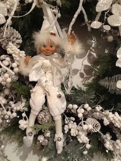 RAZ 2014 Arctic Palace Elves all dressed up in white faux fur, for sale at Trendy Tree. Christmas Elf Doll, Gold Christmas Tree, Elegant Christmas, Christmas Past, Victorian Christmas, Felt Christmas, Beautiful Christmas, All Things Christmas, Elf Decorations