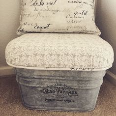 Galvanized metal tub repurposed with French label and accent pillow now doubles … – 2019 – Metal Diy - Modern Metal Wash Tub, Wash Tubs, Galvanized Decor, Galvanized Metal, Galvanized Buckets, Upcycle Home, Diy Stool, Wooden Shelves, Wooden Cabinets