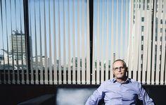 | Guerra às Drogas | José Mariano Beltrame, secretário de Segurança do Rio, afirma que o estado perdeu o combate ao tráfico e que apoia a descriminalização da posse e do consumo de drogas no país. Confira a entrevista que ele concedeu à Revista Trip: