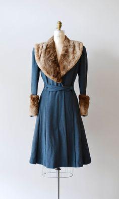 vintage coat / princess coat / fur / Winfield by DearGolden, 1930s Fashion, Vintage Fashion, Retro Fashion, Fur Trim Coat, Wool Coat, Vintage Dresses, Vintage Outfits, We Heart It, Vintage Coat