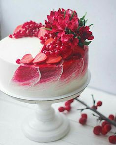 30 Decorating Cake With Fruit - Cake Design Ideas Gorgeous Cakes, Pretty Cakes, Cute Cakes, Amazing Cakes, Beautiful Birthday Cakes, Food Cakes, Cupcake Cakes, Sweets Cake, Decoration Patisserie
