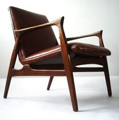 Arne Hovmand-Olsen Attributed; Teak and Leather Arm Chair by Mogens Kold, 1958.