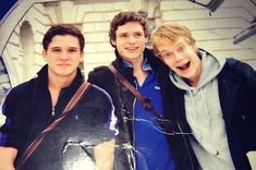 Game Of Thrones' Richard Madden shares a throwback snap with co-stars Kit Harington and Alfie Allen Kit Harington, Alfie Allen, Louise Redknapp, Friend Jokes, Richard Madden, Will And Grace, Big Photo, Hbo Series, Young Actors