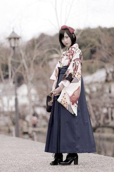 Komon hakama 小紋袴袴 - Model : Yukare ゆかれ - Japan - 2016 Source twitter.com/paristrios