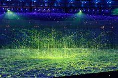 """Superando todas as expectativas não só dos brasileiros, mas de grande parte do mundo, a abertura dos Jogos Olímpicos Rio 2016, deu muito o que """"bem"""" falar sobre a capacidade criativa do brasileiro para fazer uma grande festa."""