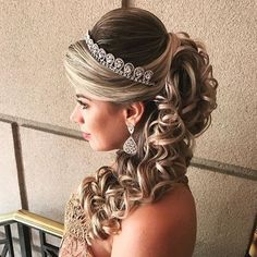 new Ideas for hairstyles festa cacheado Quince Hairstyles, Prom Hairstyles For Long Hair, Lob Hairstyle, Bride Hairstyles, Pretty Hairstyles, Little Girl Hairstyles, Easy Hairstyles, Bridal Hair Tips, Pagent Hair