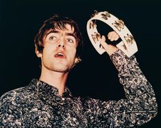 mad fer it Liam Gallagher Oasis, Noel Gallagher, Mr Tambourine Man, Oasis Band, Liam And Noel, You Make Me Laugh, Britpop, Great British, Cool Bands