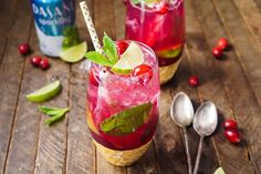 MIKE THIS ONE! This Cranberry Mojito Punch is so refreshing and flavorful! It's a festive sparkling cocktail that's sure to have everyone dancing the night away at your holiday party! The red and green make it the perfect Christmas cocktail recipe! Christmas Cocktails, Christmas Brunch, Holiday Drinks, Summer Drinks, Refreshing Drinks, Christmas Eve, Holiday Parties, Christmas Ideas, Mojito Punch Recipe