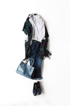 白シャツを大好きな水色+グリーンで着る 2015-09-24 | jeans brand : AG | shirt price :17,280 | scaff price :66,960 brand : JOHNSTONS | brand : spice. shoes&bag tods