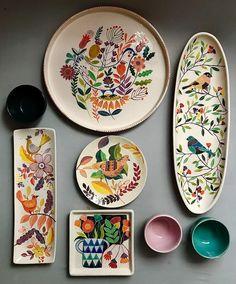 DIY No Bake Sharpie Art Bowls 12 a better finishing secret for DIY beautiful Anthropologie style designs on ceramic bowls or mugs. Ceramic Plates, Ceramic Pottery, Pottery Art, Decorative Plates, Pottery Studio, Painted Pottery, Blue Pottery, Pottery Plates, Pottery Painting Designs