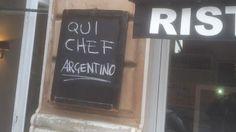 Pícaros hay en todos lados. Pizzería y restaurante próximo a la Plaza San Pedro aprovecha que tiene un cocinero argentino (La Voz).