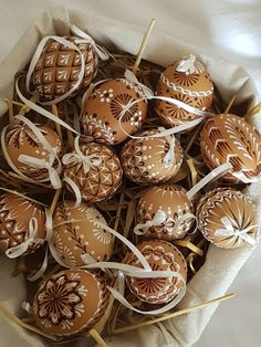 Russian Foods, Russian Recipes, Food Crafts, Hobby, Caramel Apples, Easter Eggs, Food And Drink, Wax, Ornament