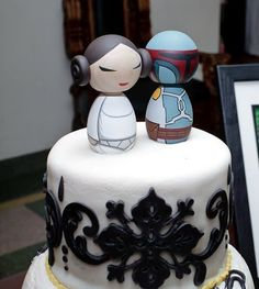 22. Wedding cake- A cake sporting an unlikely couple, Leia and Boba Fett. This puts a new twist into the Star Wars element at the wedding, whether it is because the young couple themselves are an unlikely match or they just happen to think the movies should have gone a different way.