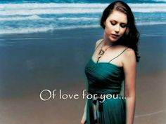 Hayley Westenra - Pokarekare Ana (English Subtitles)... She has one of the most beautiful voices of all time!! Love this.
