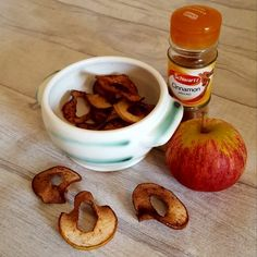 """These delicious apple crisps are super easy to make and absolutely delicious. With only 2 ingredients that you are sure to have in your kitchen these are definitely worth a try! Ingredients 1 apple (Any apple will do!) 1 tsp cinnamon Method Core the apple then cut into approx 1-2mm slices. Lay the apple slices … Continue reading """"Apple crisps"""""""