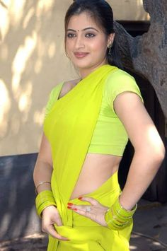 South Indian Actress Hot, Indian Film Actress, Hot Actresses, Beautiful Actresses, Beautiful Women Over 40, Sexy Hips, Saree Models, Photography Poses Women, Glamour