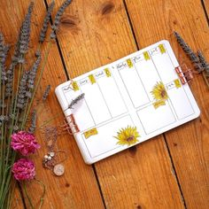 Its been a popular theme during summer! So we have forund 43 sunny stunning sunflower bullet journal layout ideas and spreads to show you and April Bullet Journal, Bullet Journal Writing, Bullet Journal Themes, Bullet Journal Spread, Bullet Journal Layout, Bullet Journal Inspiration, Bullet Journals, Journal Pages, Journal Ideas