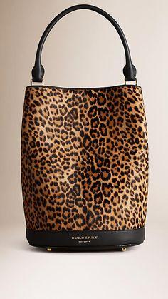 Camelo Bolsa The Bucket de couro de novilho com padrão animal print - Imagem 1