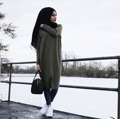 Bags & Handbag Trends : Hijab style and modest outfits Just Trendy Girls Islamic Fashion, Muslim Fashion, Modest Fashion, Mode Outfits, Casual Outfits, Fashion Outfits, Fashion Bags, Casual Shoes, Style Fashion