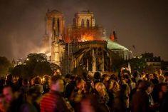 15 Avril 2019 Notre-Dame de Paris : après des heures de lutte, l'incendie a été maîtrisé par les pompiers Ville France, Blue Butterfly, Amazing Art, Beautiful Places, Europe, Fire, 15 Avril, Concert, Victor Hugo