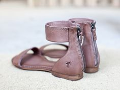 The Frye Compnay's Carson Ankle Zip -- perfect for Spring!