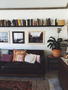Living room shelves above couch pillows trendy ideas My Living Room, Home And Living, Living Room Furniture, Home Furniture, Living Room Decor, Living Spaces, Bookshelf Living Room, Cozy Living, Apartment Bookshelves