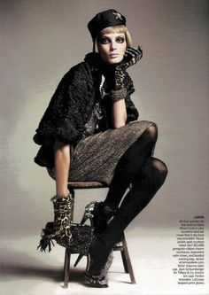 quick-change artist (American Vogue) May 2009  David Sims - Photographer Tonne Goodman - Fashion Editor/Stylist Garren - Hair Stylist Diane Kendal - Makeup Artist Daria Werbowy - Model